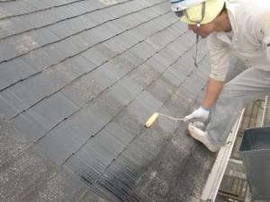 4大屋根下塗り施工中