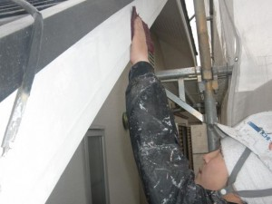 17破風板ケレン施工中