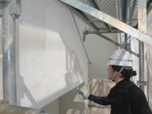 9外壁下塗り施工中