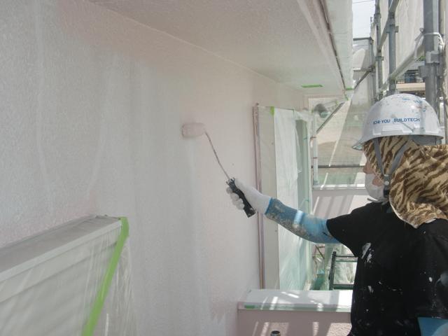2015.07.24S様邸㉜外壁上塗り1回目施工中