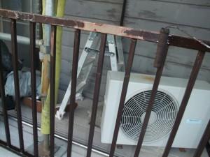 2015.02.6N様④バルコニー手摺下塗り施工中
