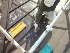2015.02.6N様⑮下屋根トタン部ケレン施工中