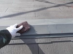 2015.02.6N様⑦下屋根板金ケレン施工中