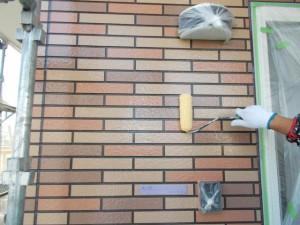 2014.12.26K様邸⑤1階クリヤー塗装上塗り施工中