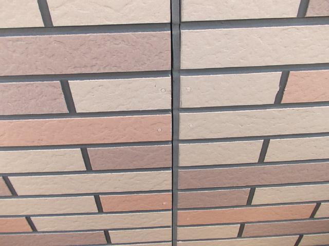 2014.12.26K様邸㉜1階目地シーリング撤去・打ち替え施工前