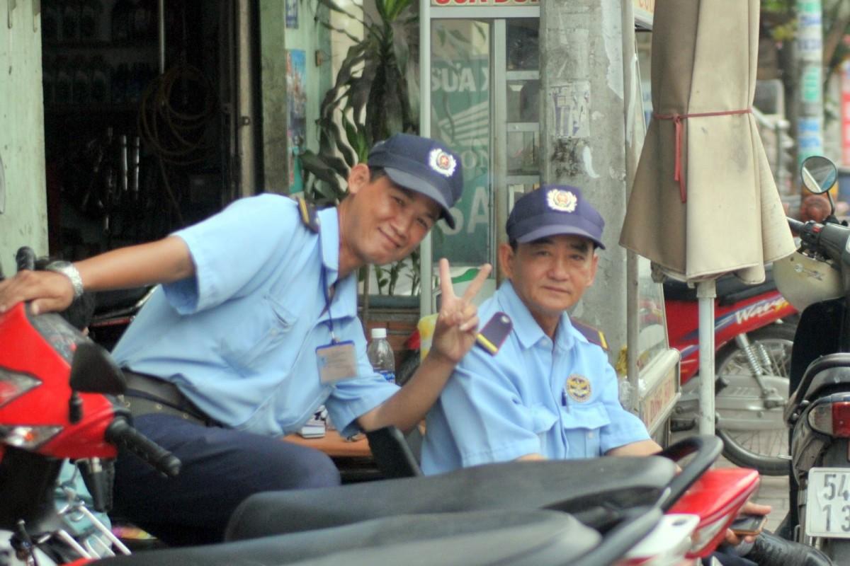 ベトナム警察官